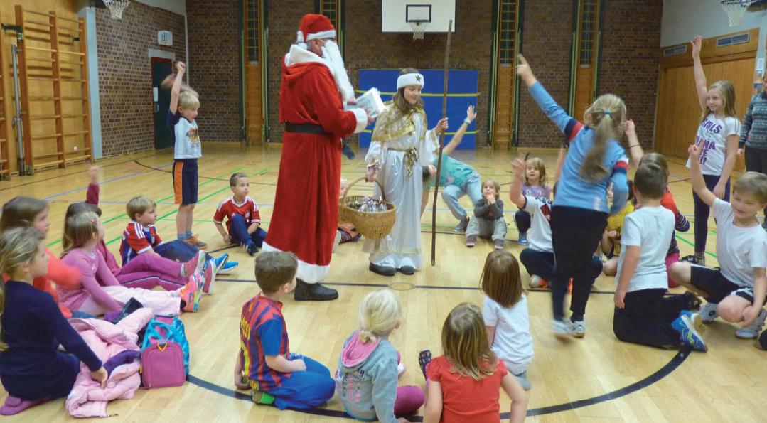 SpVgg Goldkronach: Nikolaus beim Kinderturnen 2014